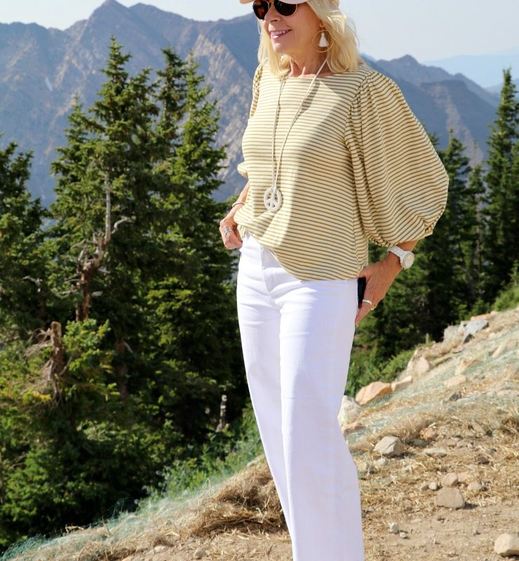 WHAT TO WEAR FOR A CASUAL DATE NIGHT IN A MOUNTAIN SETTING